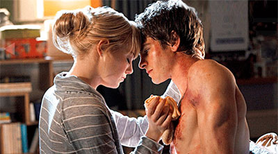 Gwen Stacy (Emma Stone) and Peter Parker (Andrew Garfield) in 'The Amazing Spider-Man' (SOURCE: Sony Pictures)