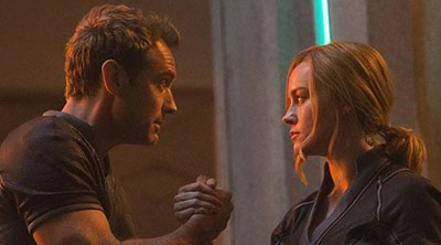 Yon-Rogg (Jude Law) and Carol Danvers (Brie Larson) in 'Captain Marvel' (SOURCE: Marvel Studios)